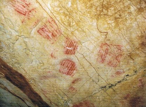 """Representaciones de """"parrillas"""" de la cueva de Herrerías. © César García de Castro y Sergio Ríos"""