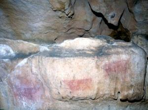 Vista general del panel decorado de la cueva de Les Pedroses. © Equipo Norte, Ministerio de Cultura
